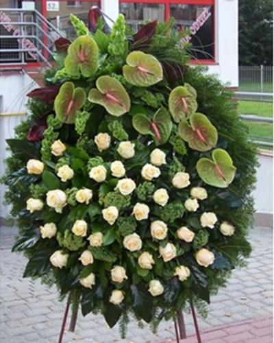 """Венок на похороны из живых цветов """"Прощание"""""""