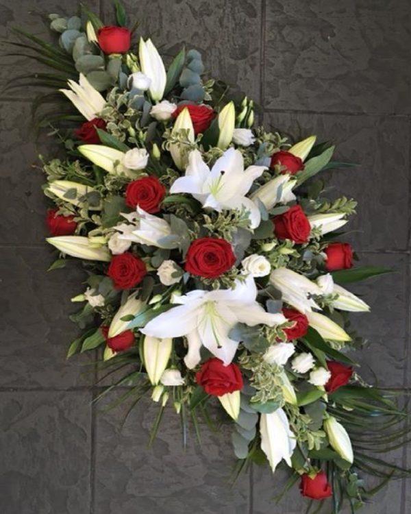 Венок ритуальный из живых цветов «Память»